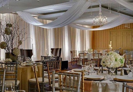 Courtyard by Marriott Charleston Historic District: Grand Cypress Ballroom Wedding Reception