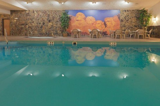 Holiday Inn Express Hotel & Suites Keystone: Swimming Pool