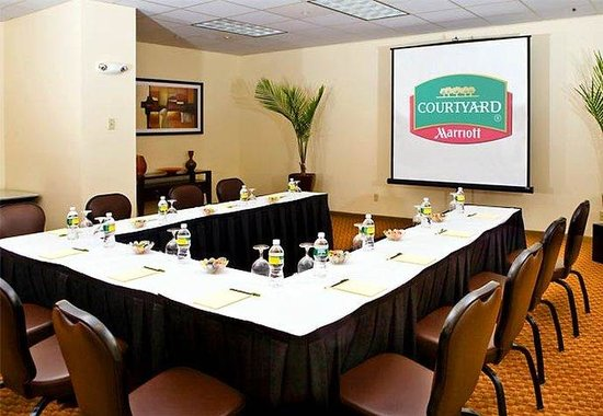 Courtyard by Marriott Boston Logan Airport: Concourse Meeting Room B