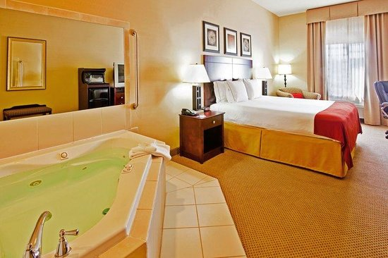 Dickson, TN: Jacuzzi Suite