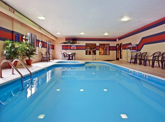 Holiday Inn Express Dayton - Centerville: Swimming Pool