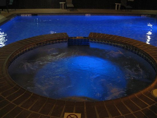Holiday Inn Express Hotel & Suites Bastrop: Unwind & gaze at the stars from our relaxing whirlpool!