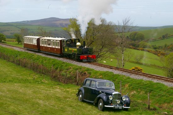 Exmoor National Park, UK: LYD and the L&Bs Heritage Coaches Approach Woody Bay, Spring Gala 2013,