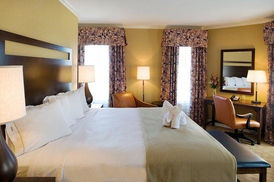 Holiday Inn Express Savannah-Historic District : Superior Room