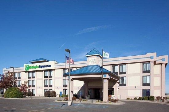 Holiday Inn Express Colby: Colby Hotel Exterior