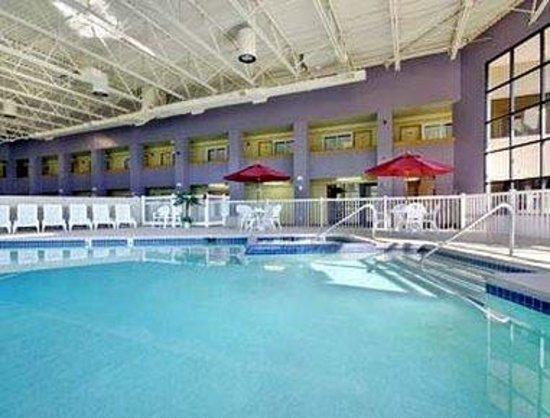 East Lansing, MI: Pool
