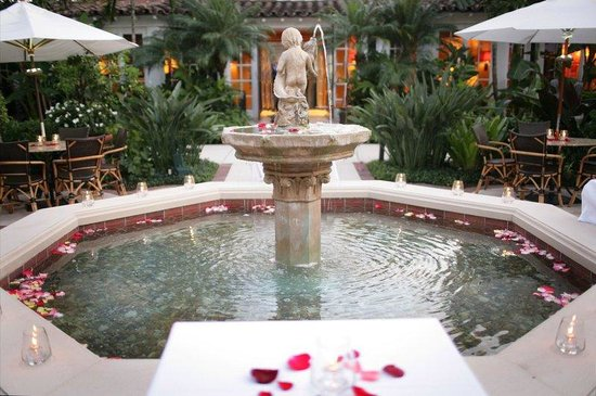 The Brazilian Court Hotel & Beach Club: Fountain Roses
