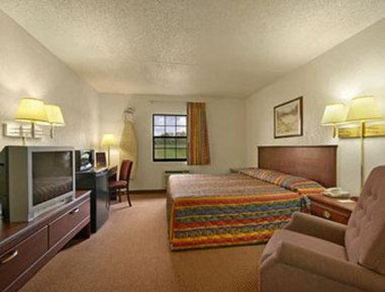 Morrilton, AR: Standard King Bed Room