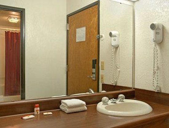 Morrilton, AR: Bathroom