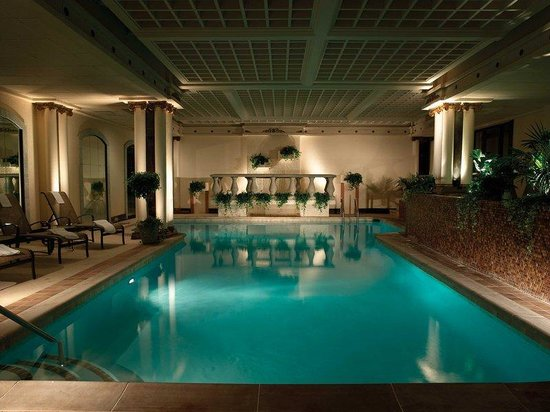 The Peabody Memphis: Pool Med