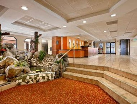 Ramada Los Angeles Convention Center: Lobby