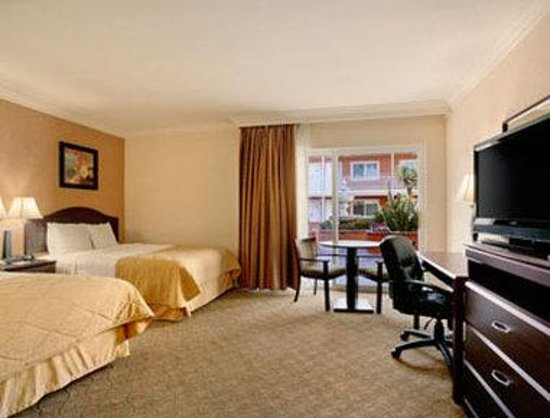 Ramada Los Angeles Convention Center: Standard Two Double Bedroom