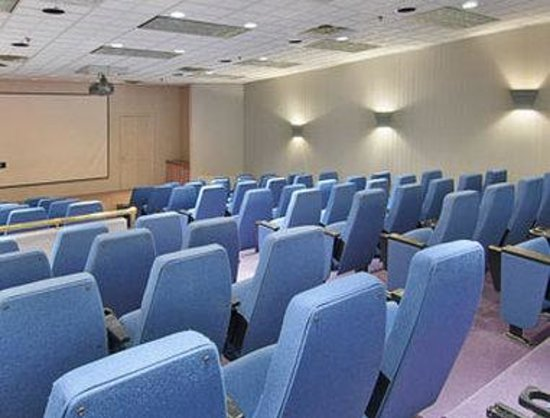 Ramada Inn Conference Center Lewiston / Auburn: Meeting Room 2 - Theater