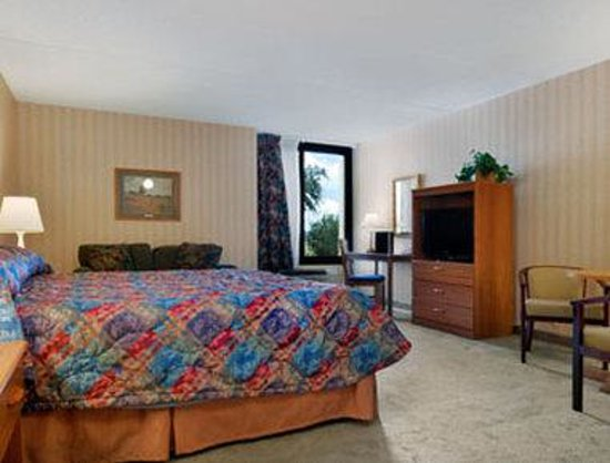Watertown, NY: Suite