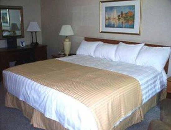 Watertown, NY: King Bed Room
