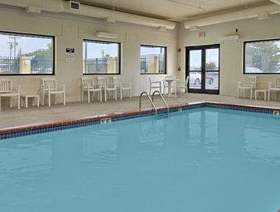 Fairview Heights, IL: Pool