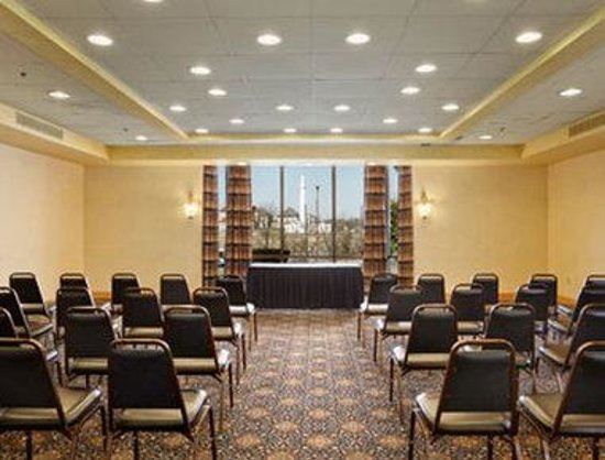 Ramada Downtown North: Meeting Room