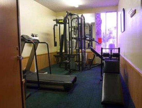 Commerce, CA: Workout Room
