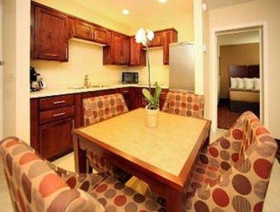 Ramada Moab Downtown: Beautiful And Spacious 2 Queen Suite w/Modern Decor