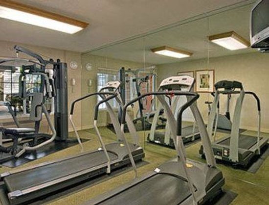 Ramada Inn & Suites Costa Mesa/Newport Beach: Fitness Centre