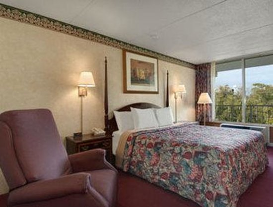 Days Inn Maysville: Standard King Bed Room