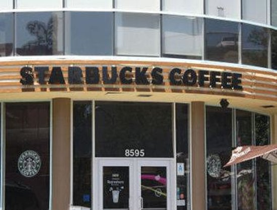Ramada Plaza Hotel-West Hollywood: Starbucks