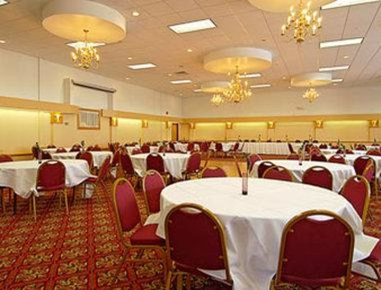 Cortland, NY: Ballroom