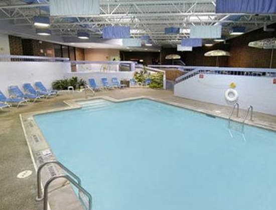 Waterloo, IA: Pool