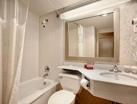 Vineland, NJ: Bathroom