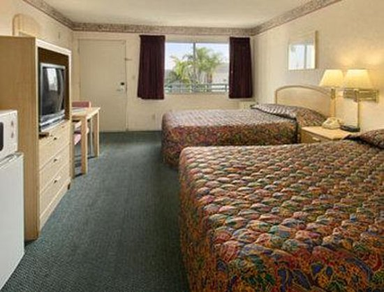 Ramada Limited Main Gate North: Standard Two Queen Bed Room