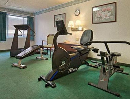 Ramada Vineland: Fitness Center