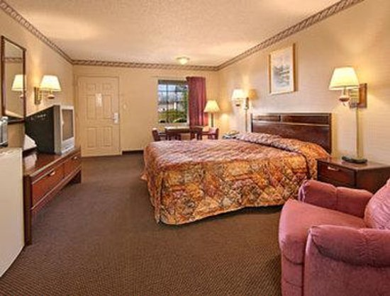 Batesville, MS: Standard King Bed Room