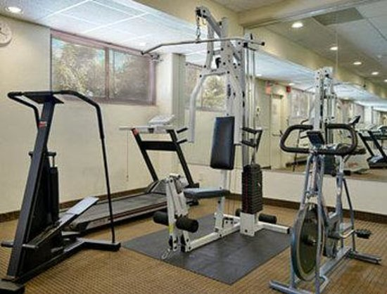 Ramada Inn Yonkers: Fitness Center