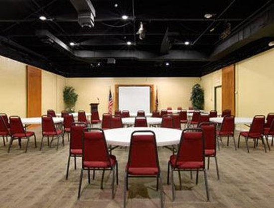 Peoria, AZ : Meeting Room