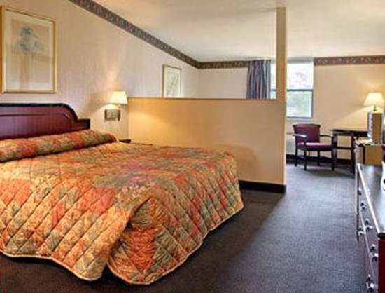 Ramada Limited Lake City: Standard King Bed Room