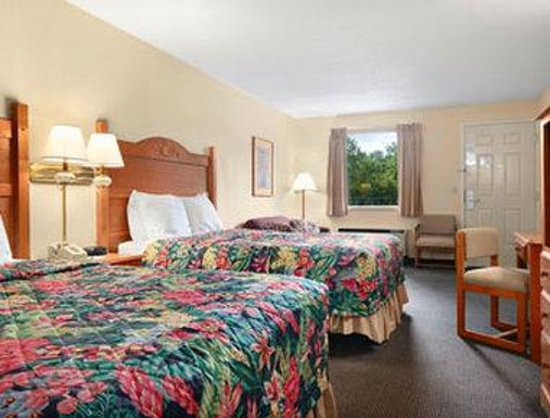 Ramada Inn Branson: Standard Two Queen Bed Room
