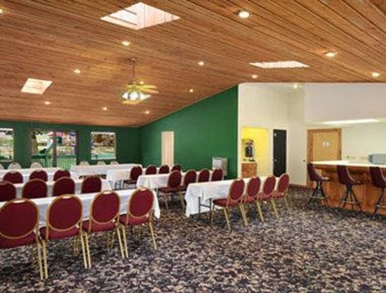 Ramada Inn Branson: Meeting Room
