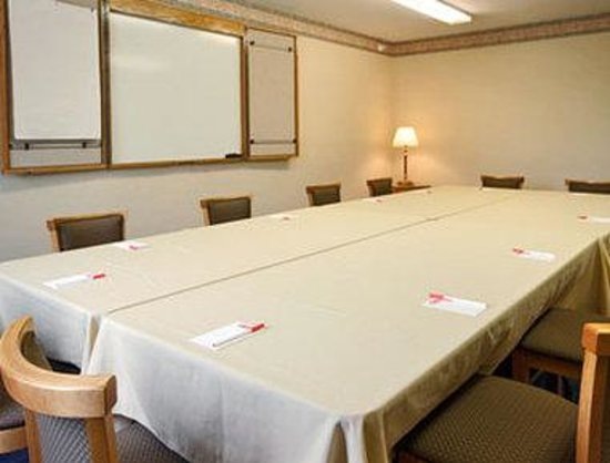 Bloomington, IL: Meeting Room