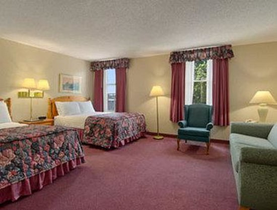 Sault Sainte Marie, MI: Standard Two Double Bed Room