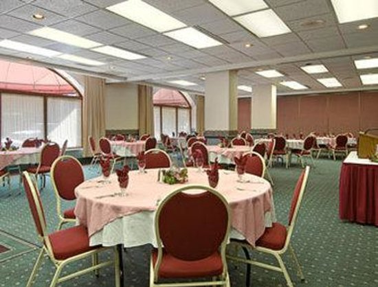 Sault Sainte Marie, MI: Hold your next meeting or special event at the Ramada Plaza Hotel. We can accommodate groups up 