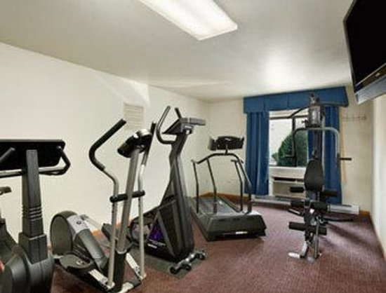 Waukesha, WI: Fitness Center.