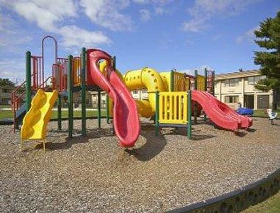 Levittown, PA: Outdoor Playground