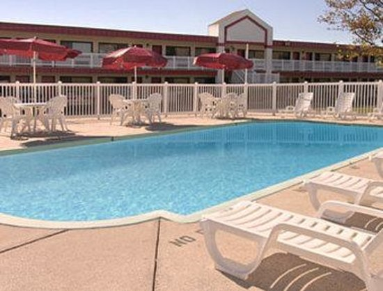 Ramada Atlantic City West: Pool