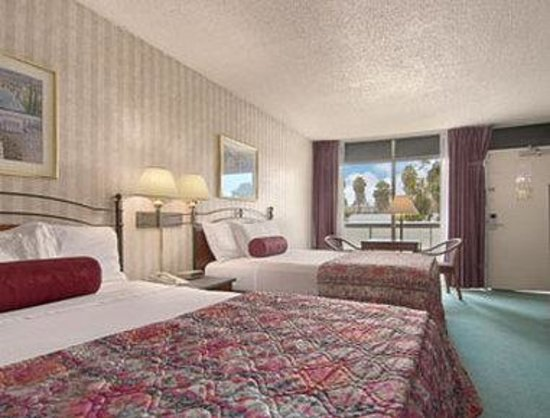 Sunnyvale, Californien: Standard Two Queen Bed Room