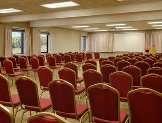 Bettendorf, IA: Meeting Room