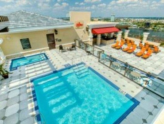 Ramada Plaza Resort & Suites International Drive: Rooftop Pool View