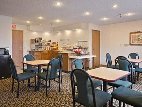 Crawfordsville, IN: Breakfast Area