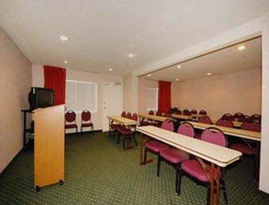 Ramada - San Antonio Sea World Area: Meeting Room