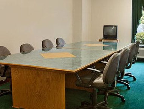 Ramada Limited Columbia : Meeting Room