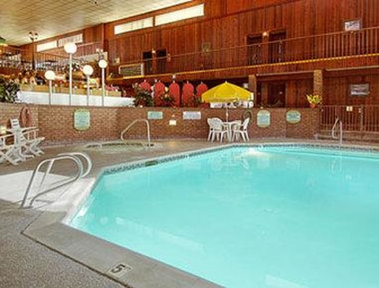 Ely, NV: Guests love our heated indoor pool and hot tub whether they are looking to relax and just read a